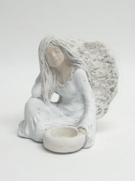 Anjel-víla sediaca (svietnik)