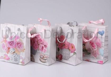 Darčeková taška ruže 23x18 cm